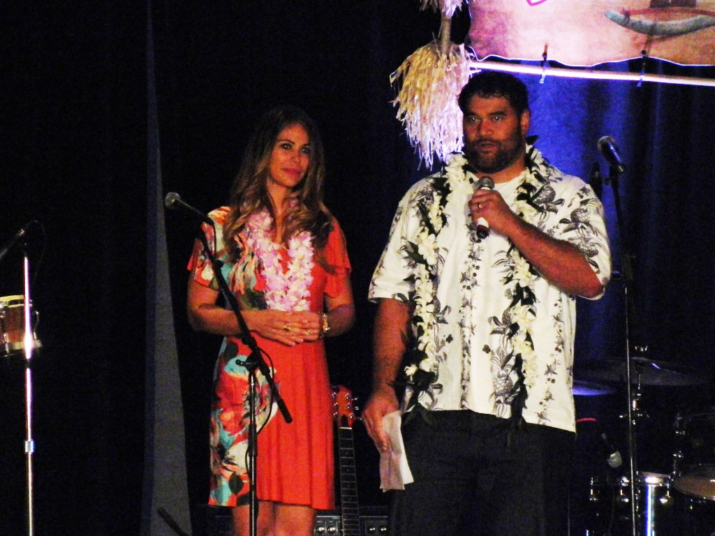 Haloti Ngata Hosts Third Annual Luau